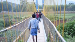 Local administration did not keep the promise of building hanging bridge in Taperikia